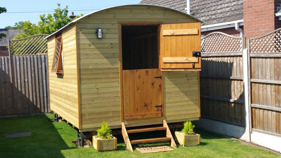 Equestrian use of shepherds hut sited in South Shropshire.